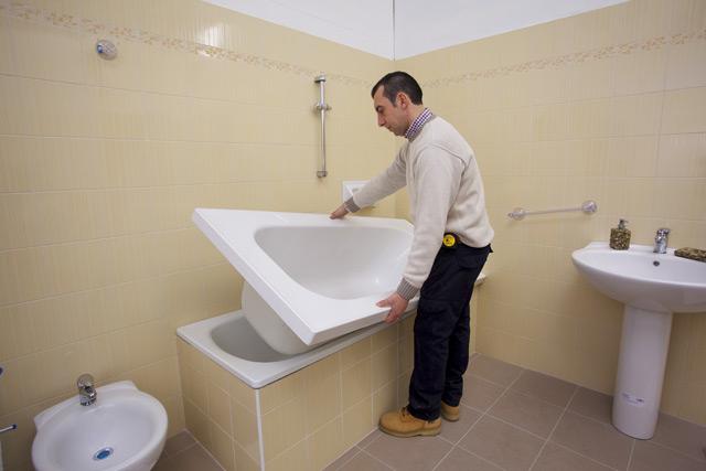 Sovrapposizione vasche da bagno – fasi di lavorazione ...