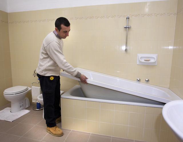 Vasca Da Bagno Vetroresina : Sovrapposizione vasche da bagno u2013 fasi di lavorazione